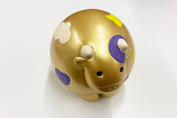 金色の小物